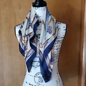 Town & Country Theme Scarf for a Bit of Panache!